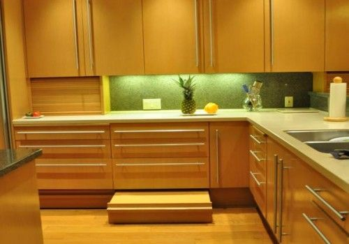 Contrasting Countertop And Backsplash With Under Cabinet
