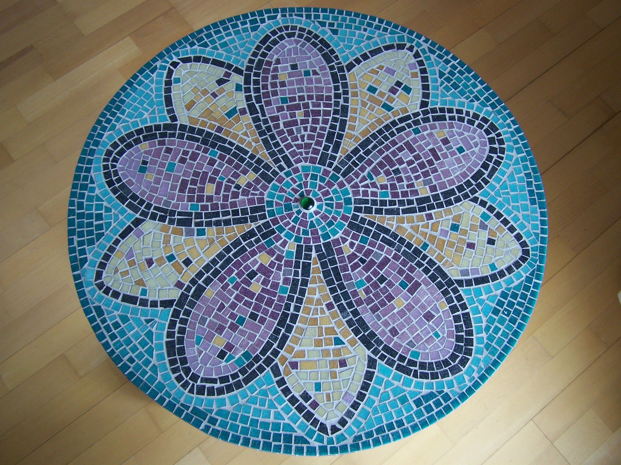 mosaik tisch wohnen mosaik mosaik tischplatten und mosaik selber machen. Black Bedroom Furniture Sets. Home Design Ideas