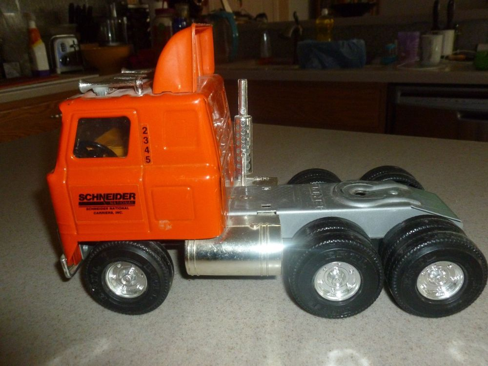 Vintage Ertl Pressed Steel Schneider Trucking Co Steel Truck Semi