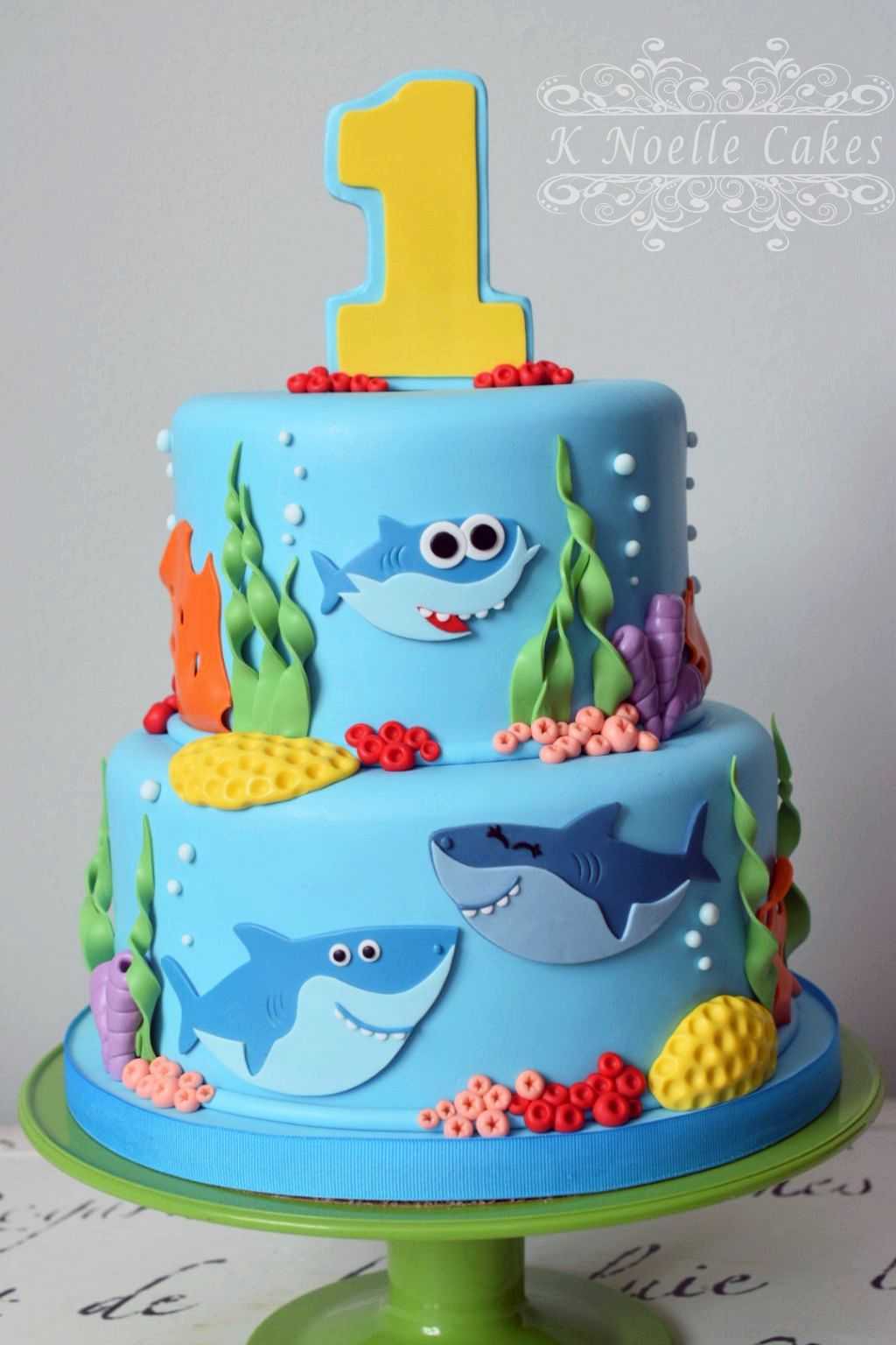 Baby Shark Cake By K Noelle Cakes Cakes For Leo Beb 233