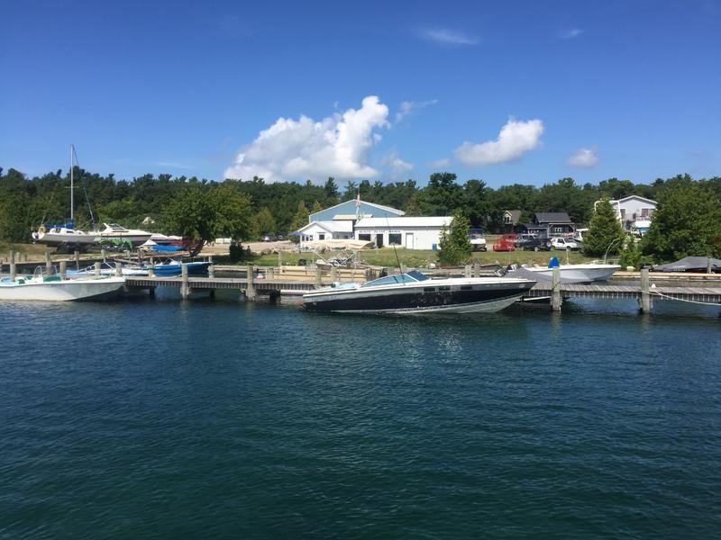 Http Www Powerboatlistings Com Powerimg M 48366 Beaverislanddock