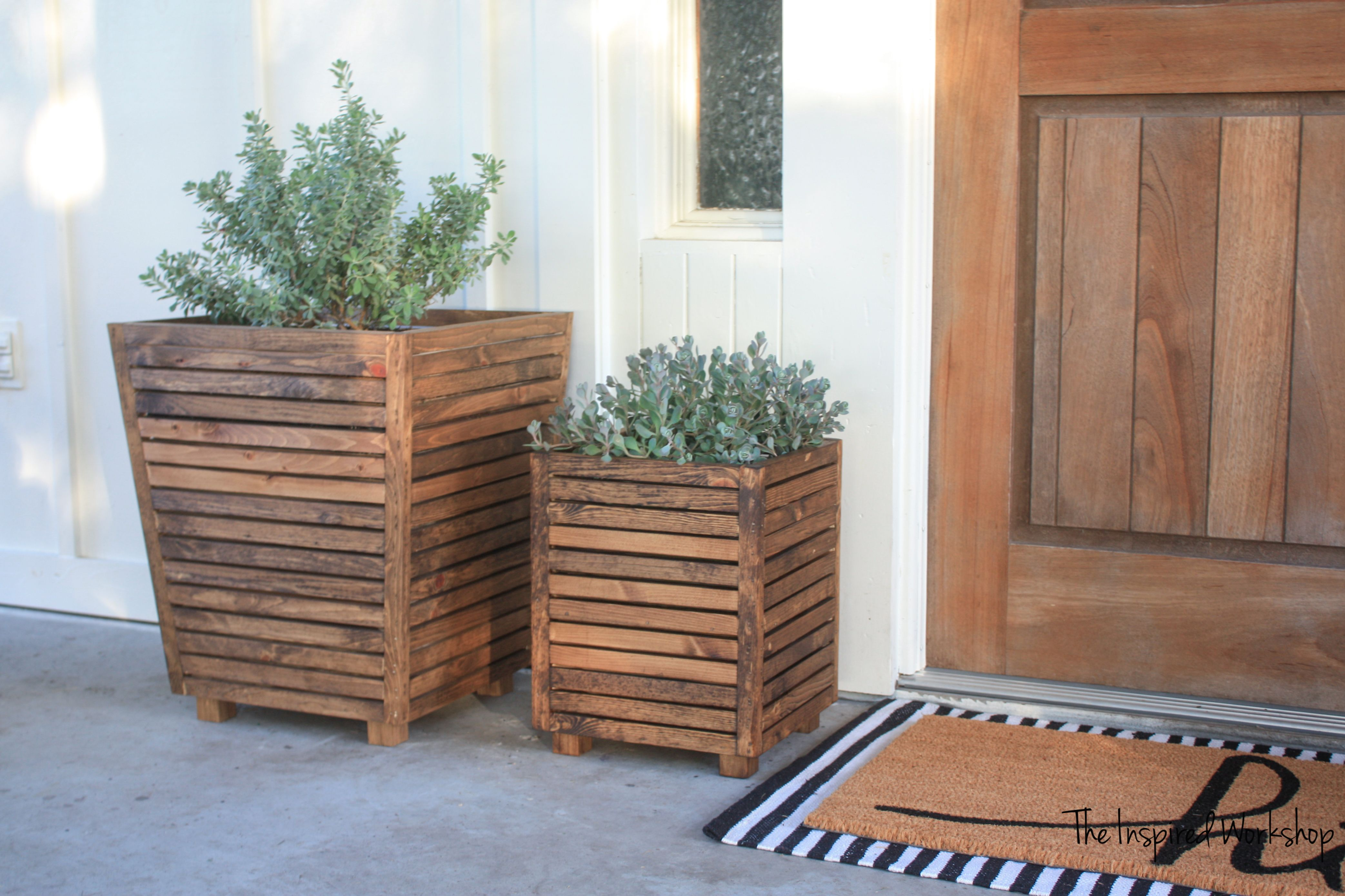 Diy Scrap Wood Outdoor Planter With Images Outdoor Planters Wood Wood Planters