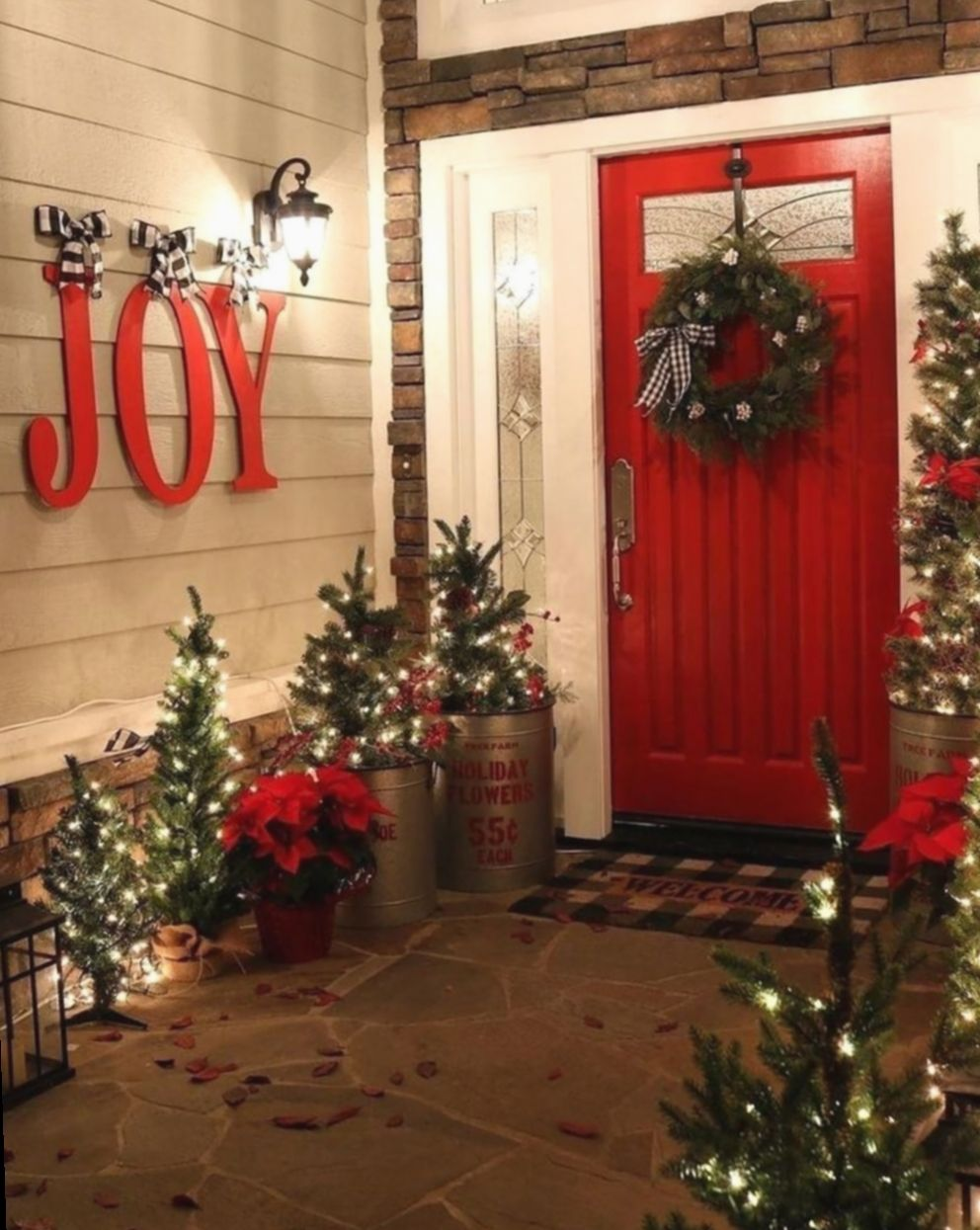 8 Christmas Home Decorating Outdoor