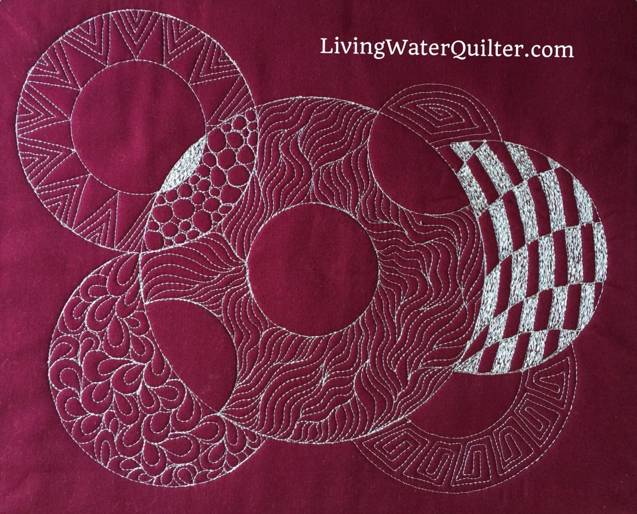 Geraldine Wilkins LivingWaterQuilter.com Overlapping Circles with ... : circle ruler for quilting - Adamdwight.com