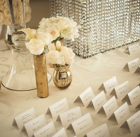 Gold and white colors are classic for any wedding in Toronto