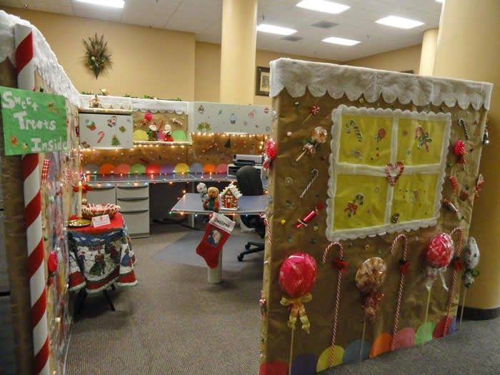 Cube rms hong kong news christmas office clearout christmas pinterest cube decoration - Cube deco mural ...