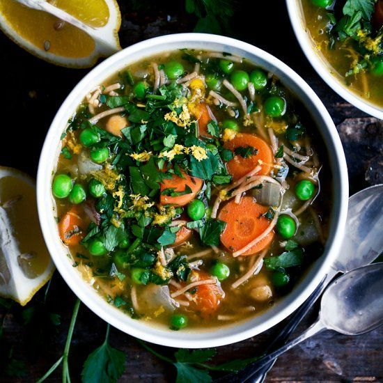 Healthy and easy chickpea noodle soup with bright lemon and parsley. Vegan. #chickpeanoodlesoup Healthy and easy chickpea noodle soup with bright lemon and parsley. Vegan. #chickpeanoodlesoup