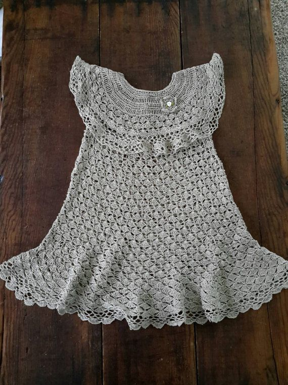 This beautiful handmade one of a kind natural linen crochet girls sundress is for 2-4 year old, depending on the child. Its very detailed to make your