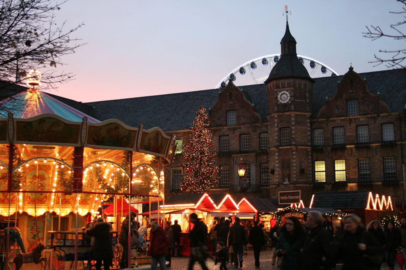 Weihnachtsmarkt (Christmas market) Düsseldorf 2012
