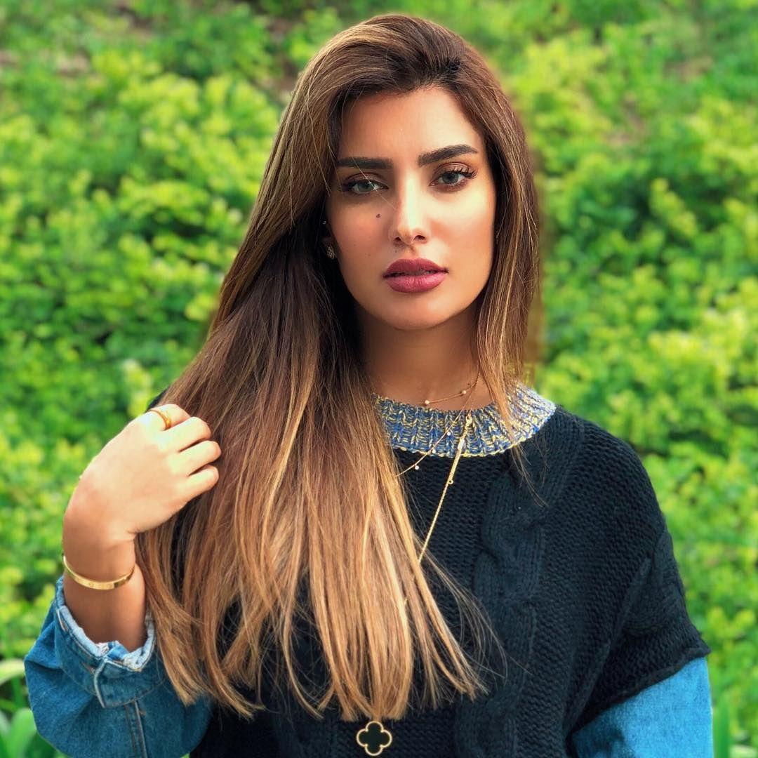 بشاير الشيباني On Instagram أؤمن أن الأخطاء لا تمحي الود لكنها تبني الحواجز هيلين كيلر Beautiful Hair Arabian Women Beauty