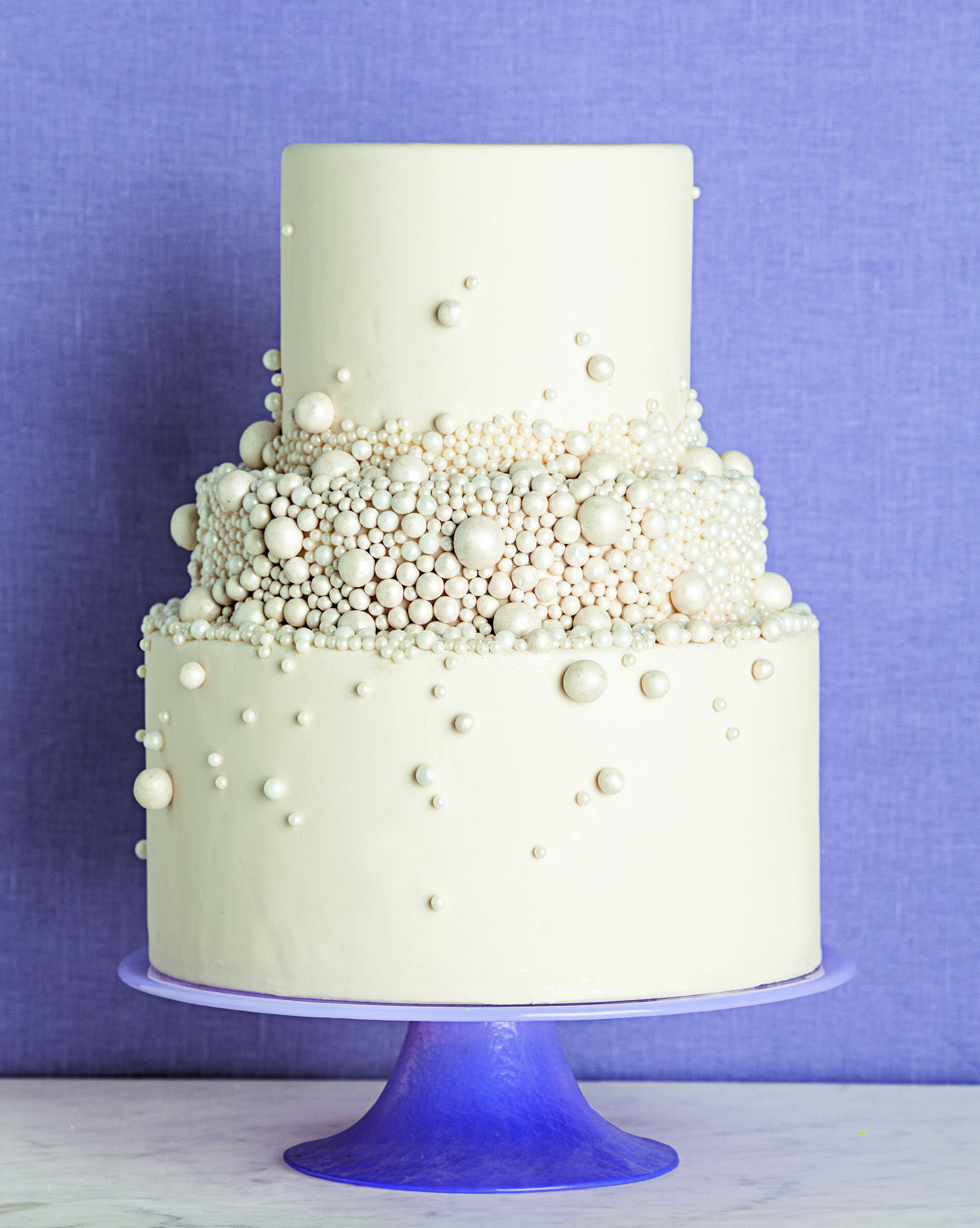 Pearls cake white like the small tiers