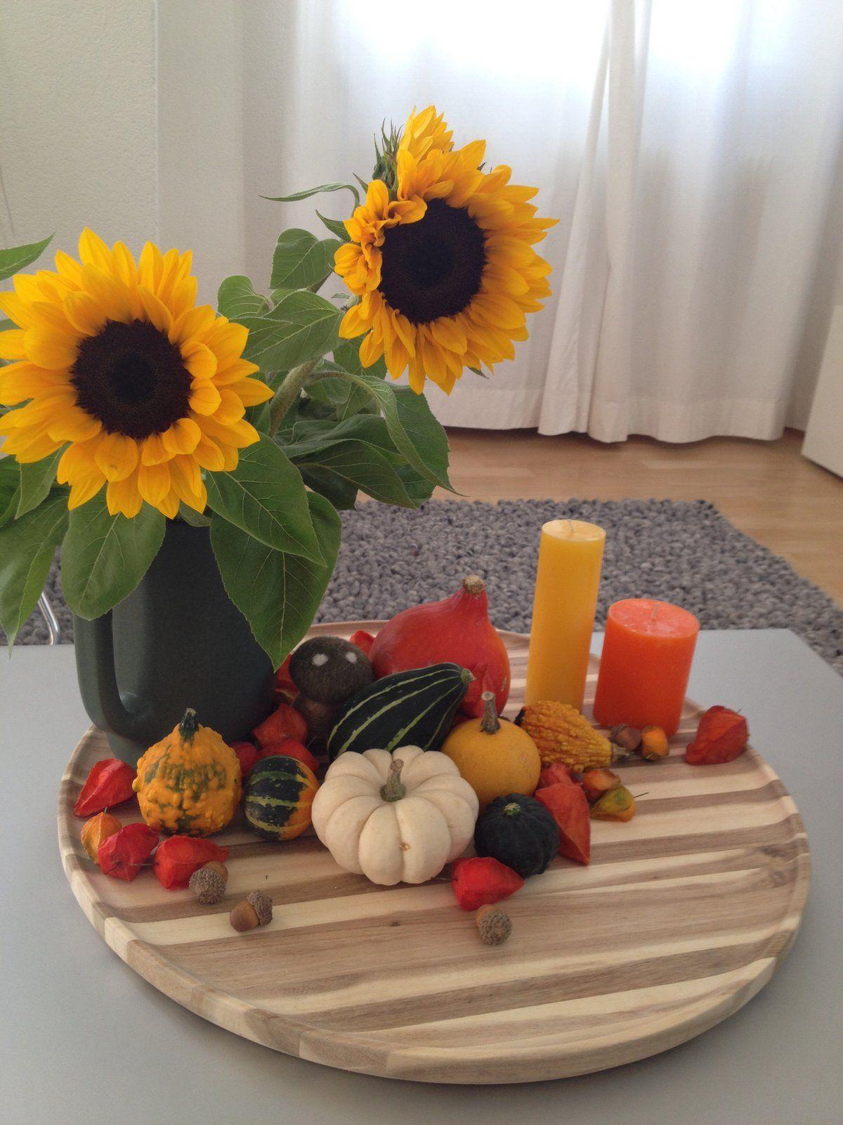 Herbst #interior #dekoration #deko #herbstdeko #decoration #living #wohnen #herbst #fall #autum #kürbis #zierkürbis #pumpkin Foto: Tuschkasten #herbstdekoeingangsbereich