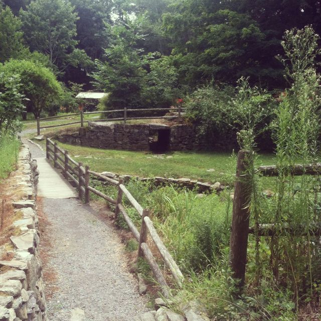 War Memorial Park W Bridgewater Massachusetts Originally Purchased From The Massasoit Indians From Myl Memorial Park West Bridgewater New England