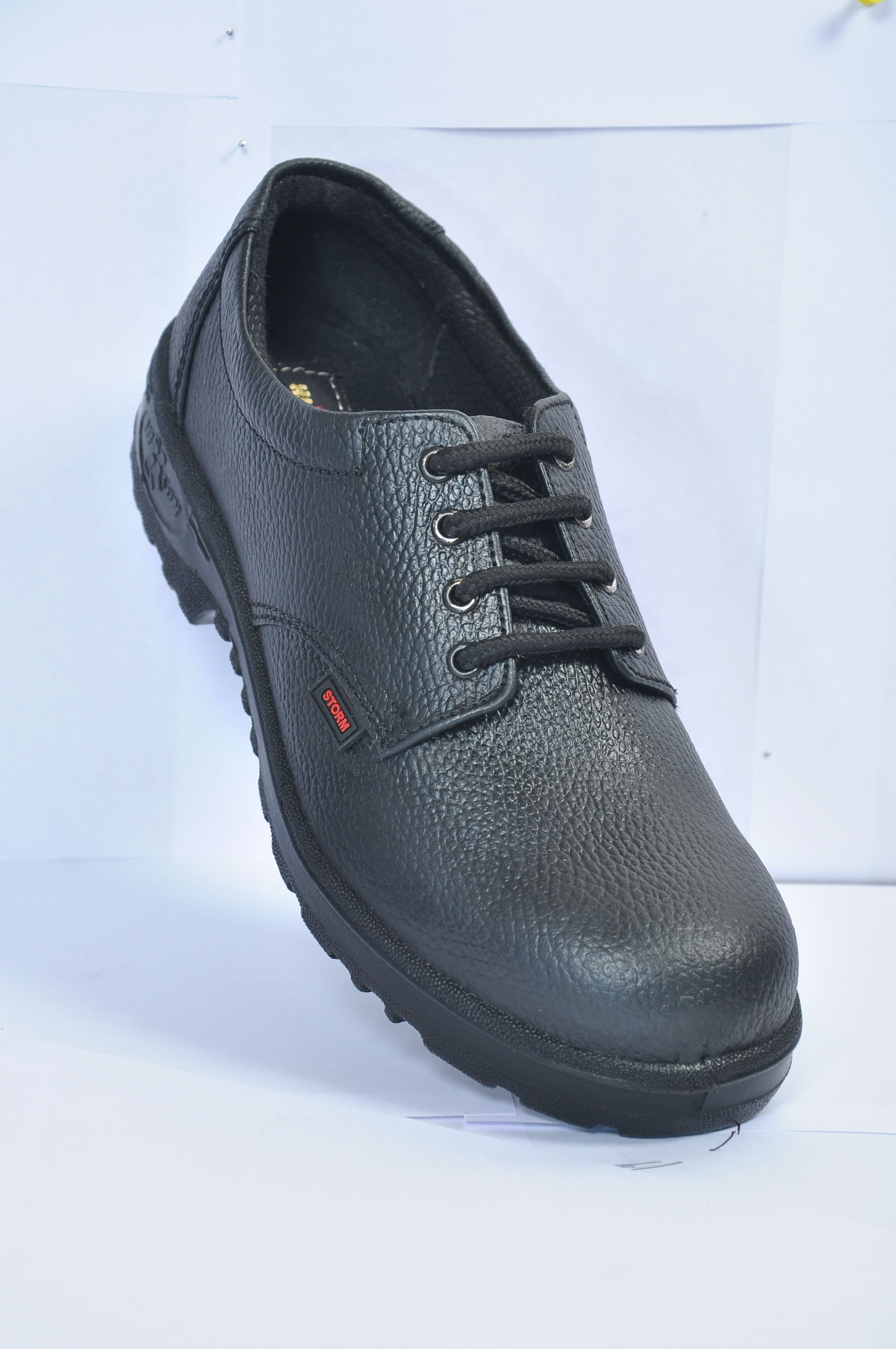 Safetyshoes ISI Marked Hillsonshoes manufactures ISI