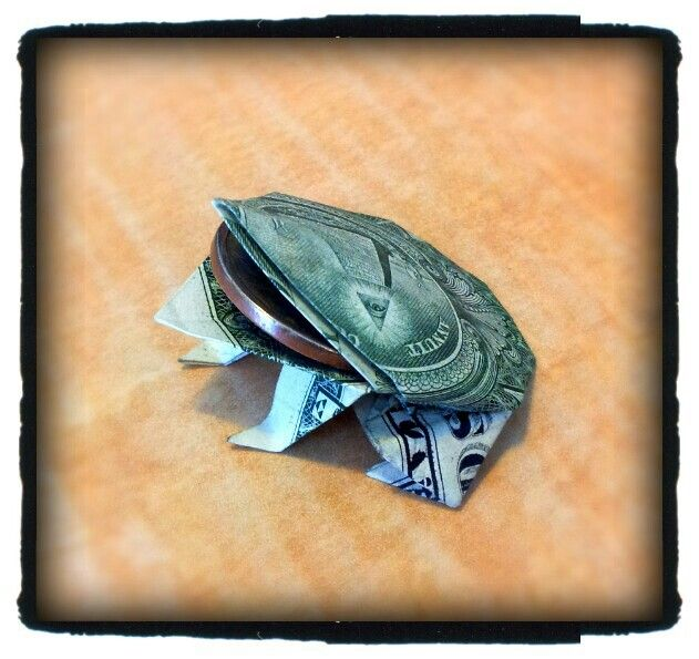 Lucky Frog With Dollar Coin In Mouth Money Origami Pinterest