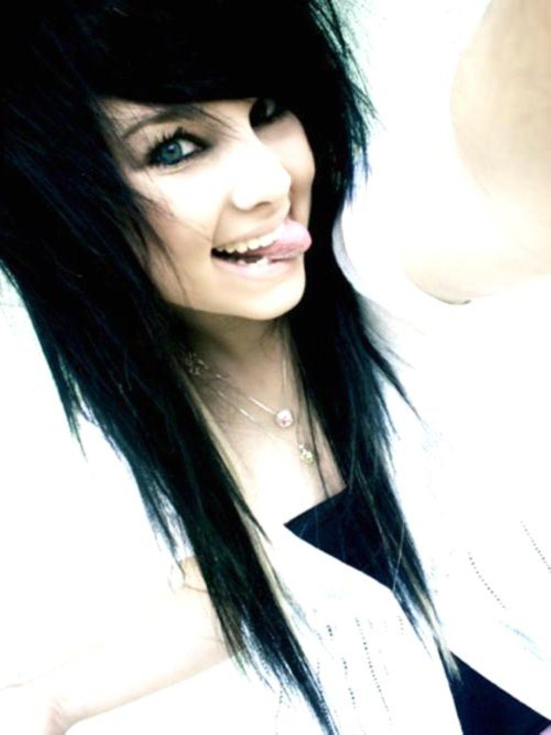Emo hairstyles for girls emo pinterest