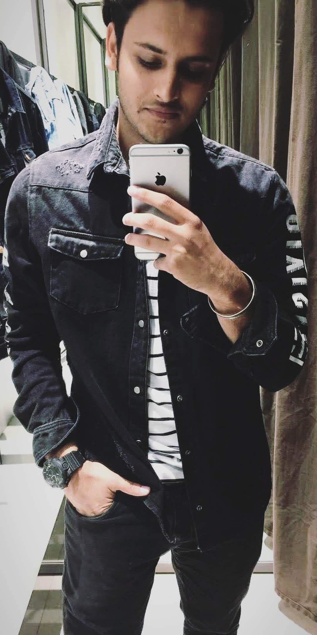 Black Denim Jacket Mirror Selfie Men S Fashion Indian Fashion Skaus Black Denim Jacket Black Denim Jacket Men Black Jean Jacket Outfit [ 2160 x 1080 Pixel ]