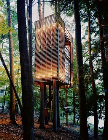 Modern House Design : Grandchildren Treehouse Lake Muskoka, Ontario, photos by Mark Mahoney - Dear Art | Leading Art & Culture Magazine & Database