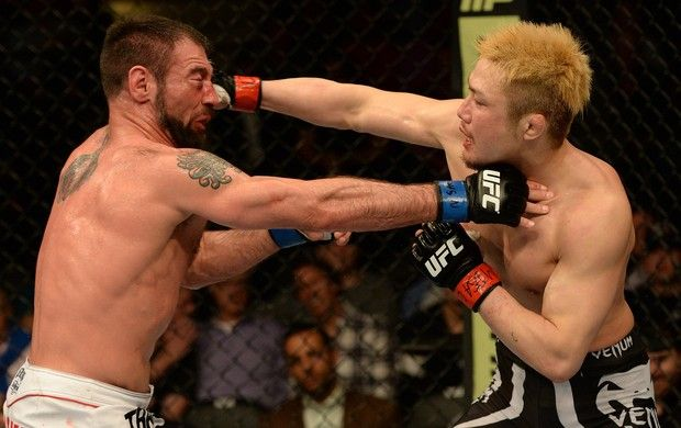 MMA - UFC 172 - Takanori Gomi x Isaac Vallie-Flagg (Foto: Getty Images)