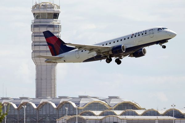 How to cancel a flight without the hefty fee Delta plane