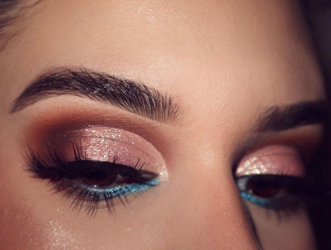 Makeup With Amrezy Palette Anastasia Beverly Hills In 2020 Amrezy Makeup Highlighter Makeup Makeup