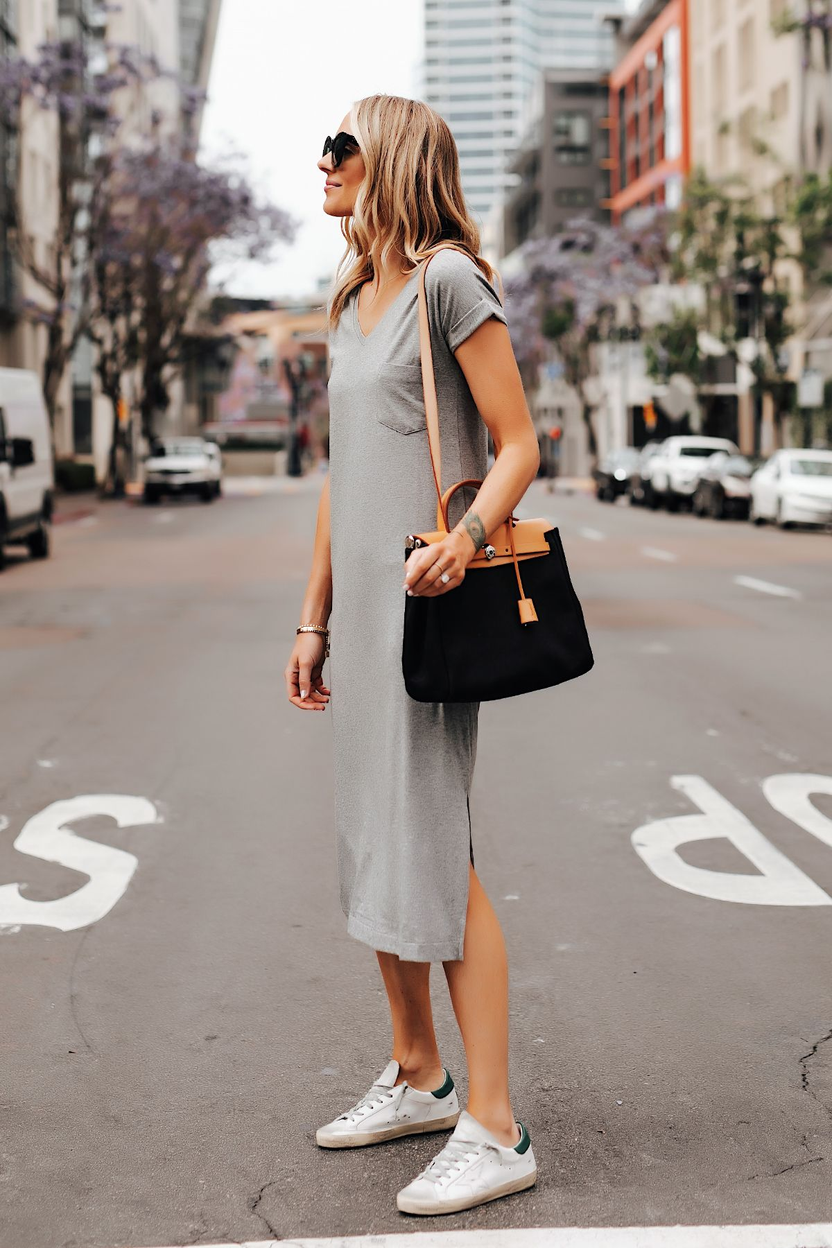 Fashion Jackson Effortless Way To Style A T Shirt Dress This Summer Dress And Sneakers Outfit Fashion Jackson Grey T Shirt Dress [ 1800 x 1200 Pixel ]