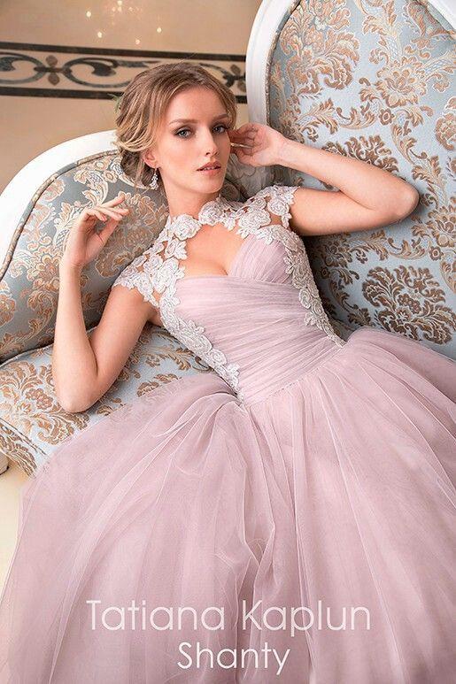 Pin von Kim Petri auf Wedding dress | Pinterest | Ballkleid, Kleider ...