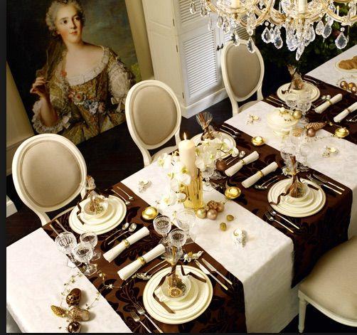 Elegant holiday table settings #holidays #xmas #tablesettings #tablescape #tabledecor #christmasideas #borddekkingnyttårsaften