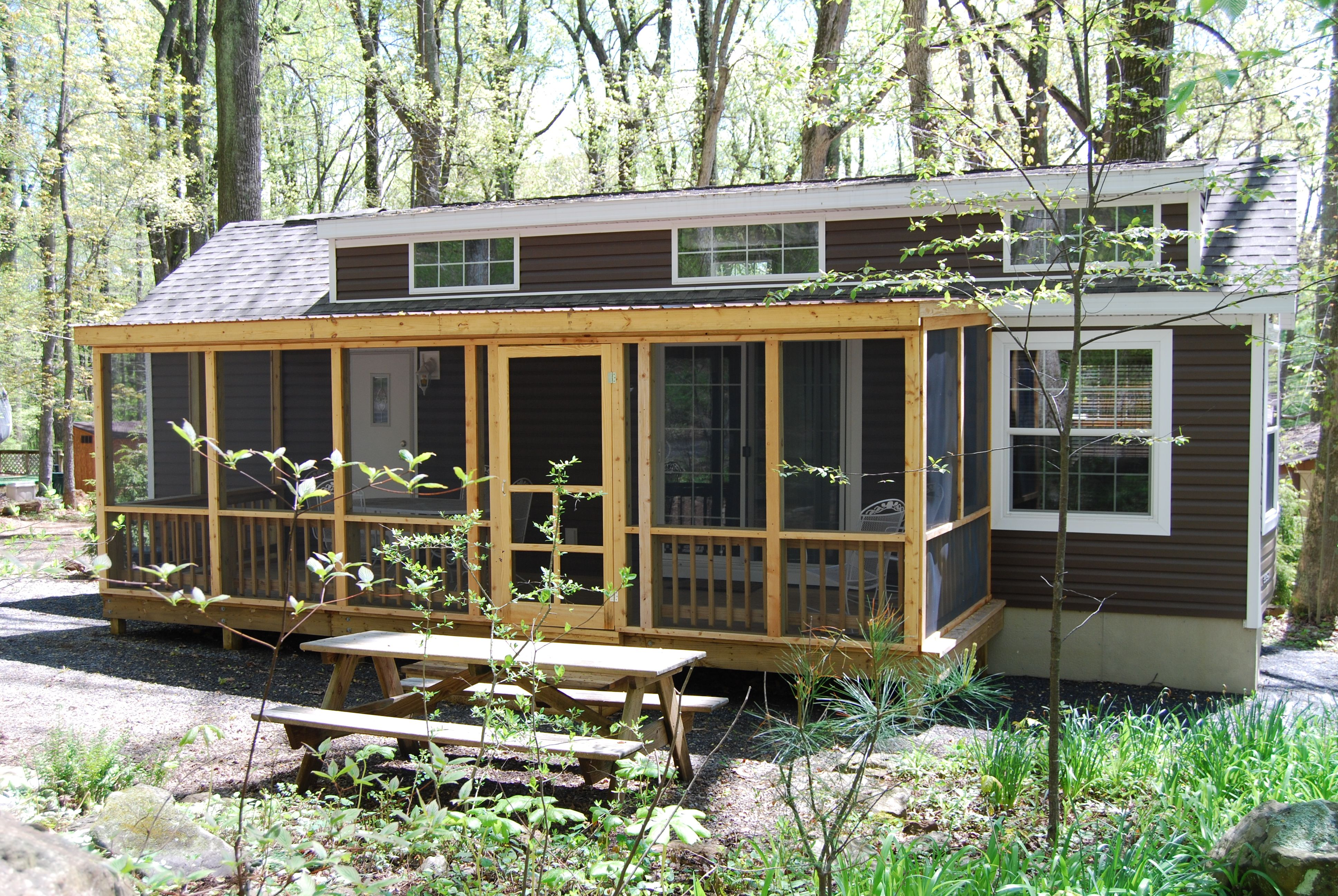 Newly Added Screen Porch At Hemlock Haven Luxury Log Cabins Screened Porch House Styles