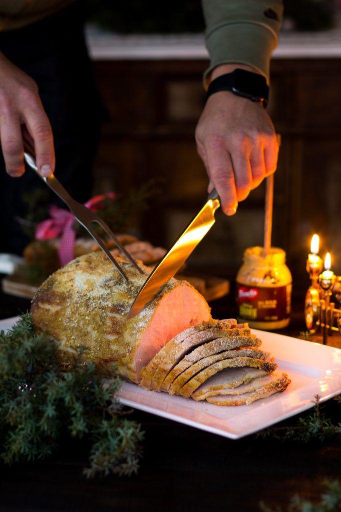 Joulukinkun valmistus, eli kuinka valmistetaan onnistunut joulukinkku. Lisäksi ohjeet kinkun griljeeraukseen.