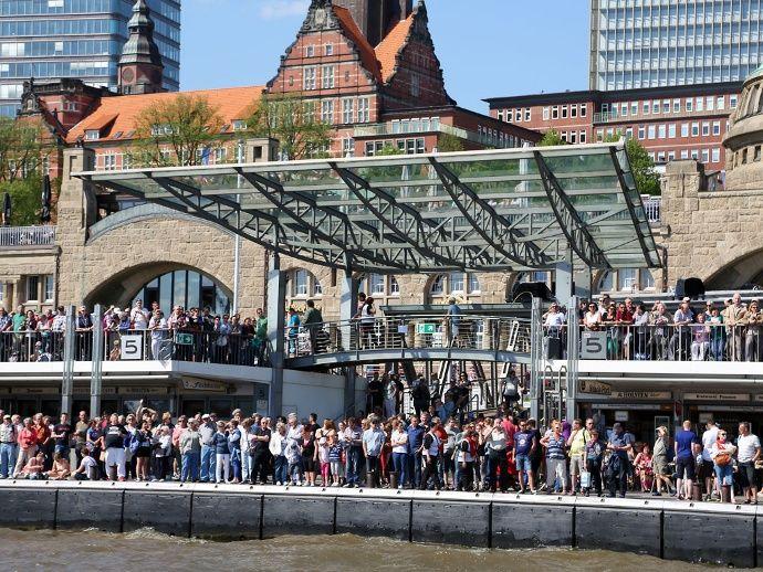 Die Grosse Auslaufparade Zum Hafengeburtstag Hamburg 2021 Hafengeburtstag Hamburg Hamburg Hafen