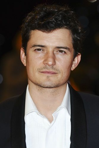 Image from http://ethnicelebs.com/wp-content/uploads/2007/12/orlando-bloom.jpg.
