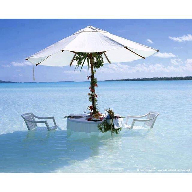 Mesa para 2 en Bora Bora. Quién se apunta?