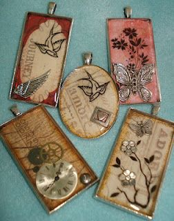 Resin collage pendants - JEWELRY AND TRINKETS