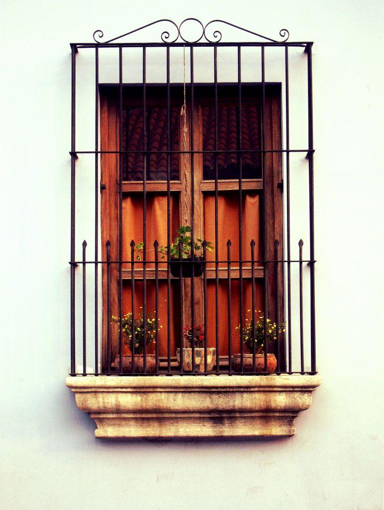 Imagenes ventanas coloniales nicaragua ventanas y for Puertas para casas rusticas