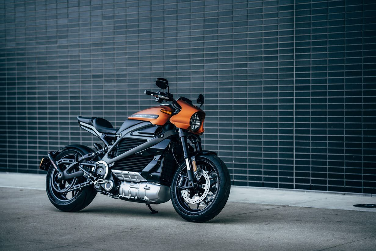 Meet Harley Davidson S Great Electric Hope The Production Ready 2020 Livewire Electric Motorcycle Harley Davidson Harley
