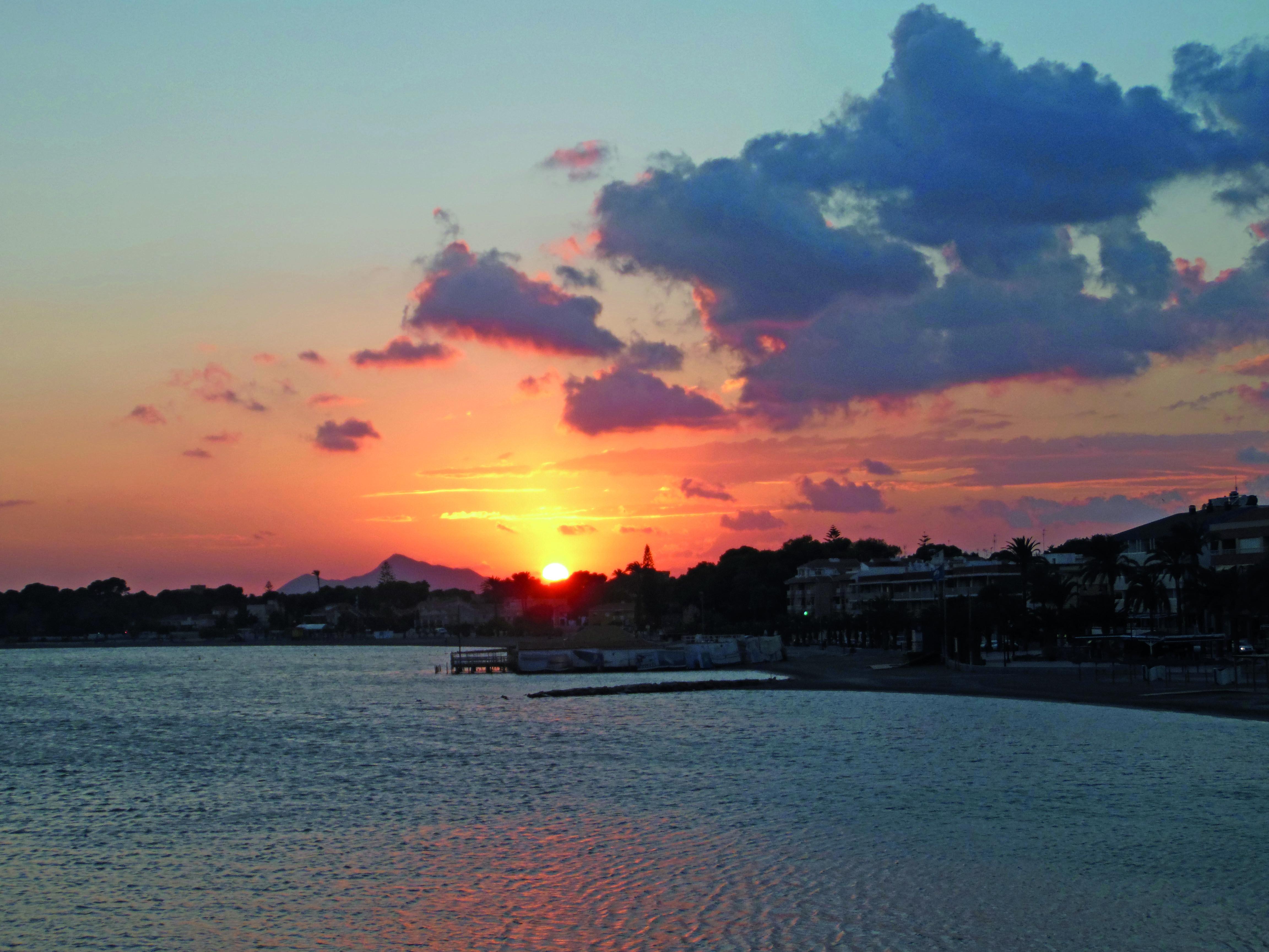 AD01: Een prachtige zonsondergang over de Mar Menor vanaf San Pedro del Pinatar.