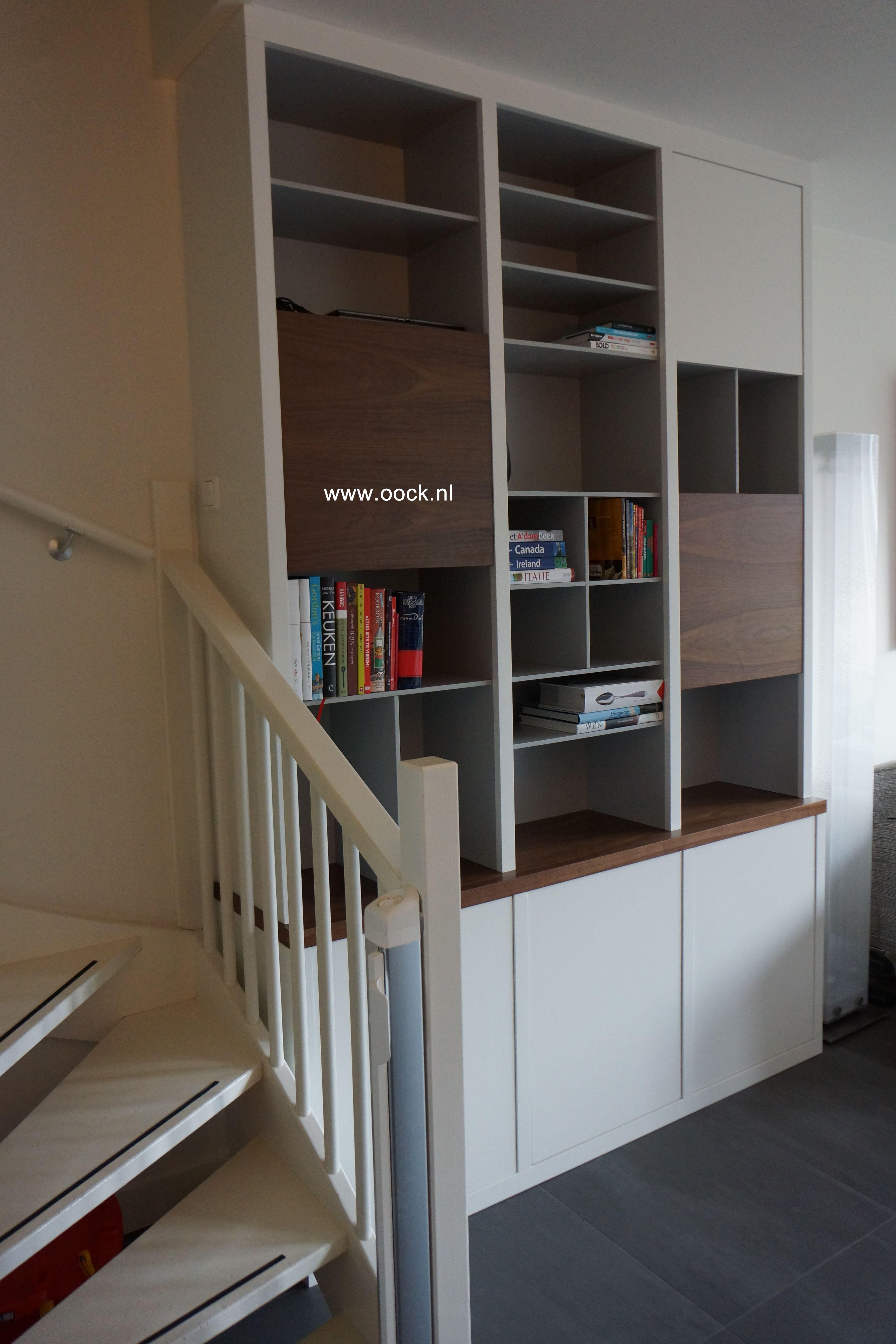 Maatwerk moderne boekenkast met mooie combi tussen strak wit en de ...