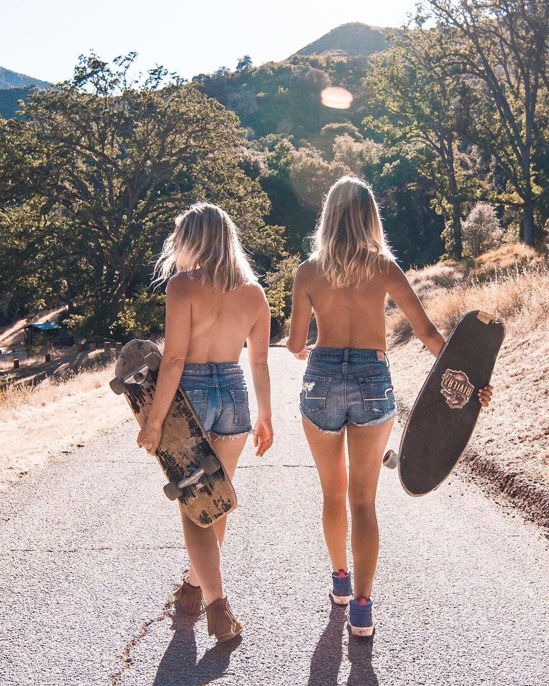 hippy chicks naked