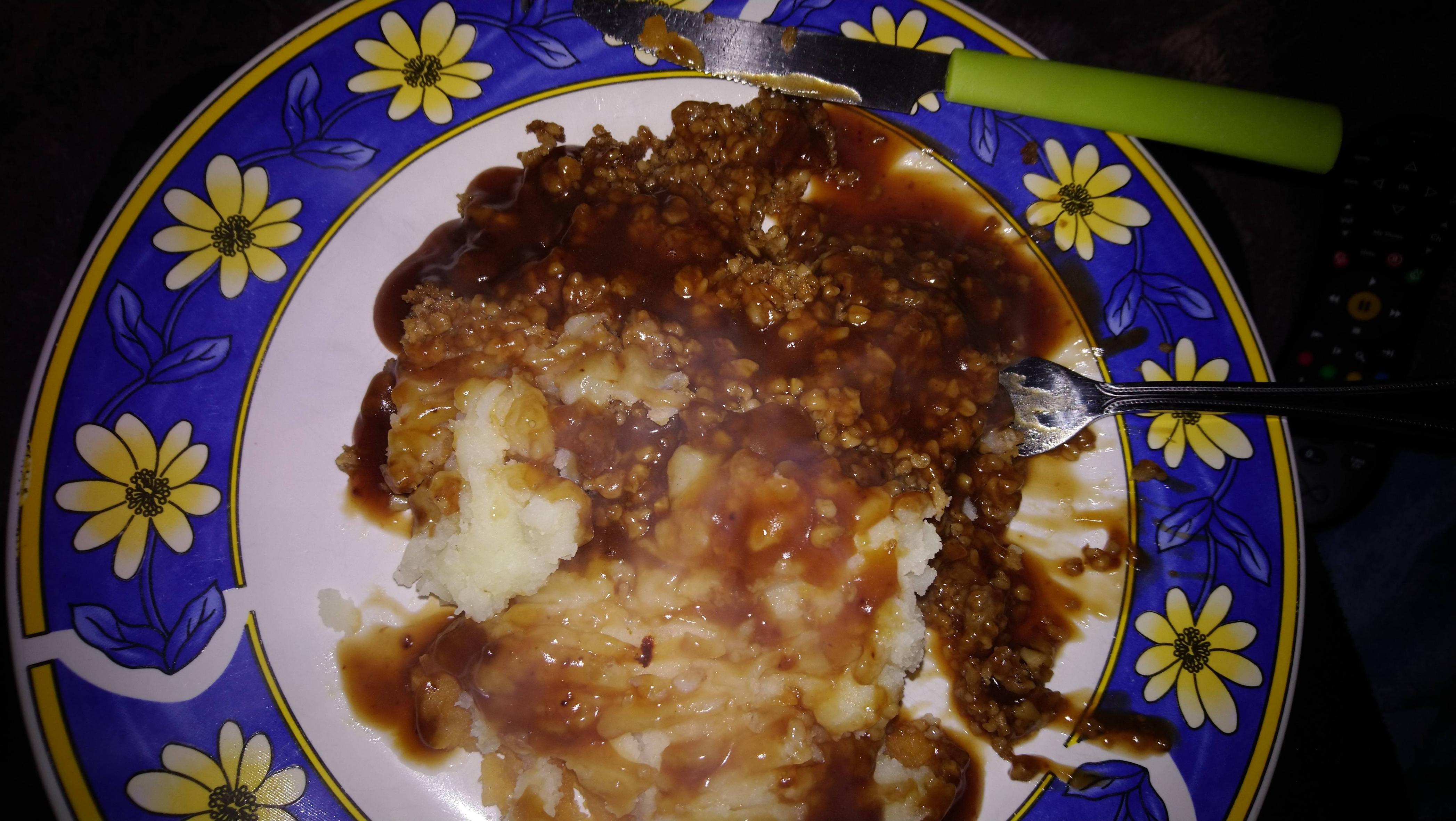 Veggie Haggis Neeps And Tatties Ready Meal With Bisto Gravy