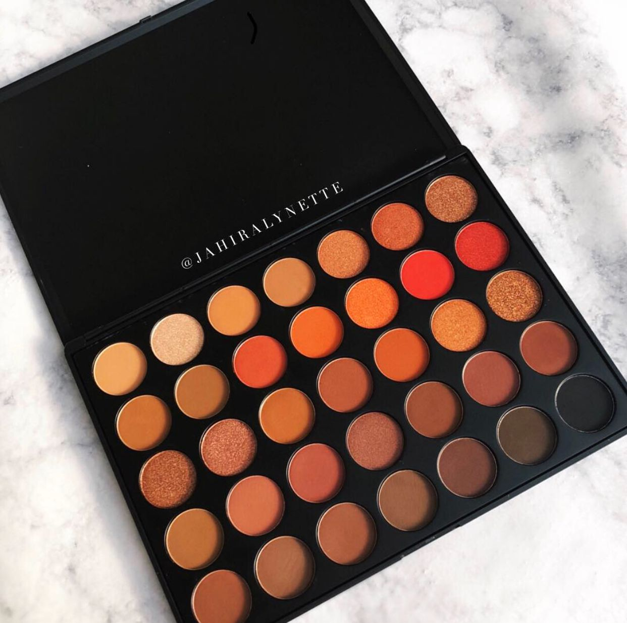 IG this is the Morphe 35O2 palette
