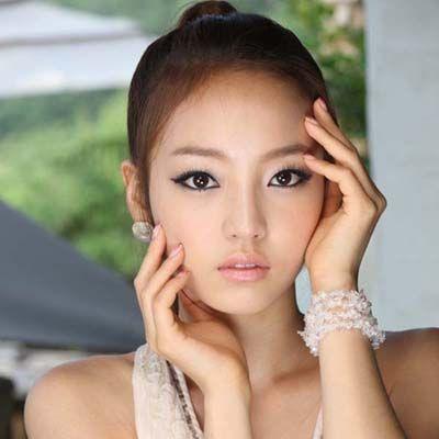 4 Ways of Making Up Like the Korea Artist Read full article---> http://womenkingdom.com/4-ways-of-making-up-like-the-korea-artist
