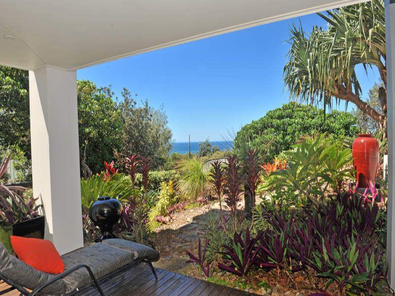 wallpaper using grass with balcony  u0026 outdoor furniture setting for australian native garden