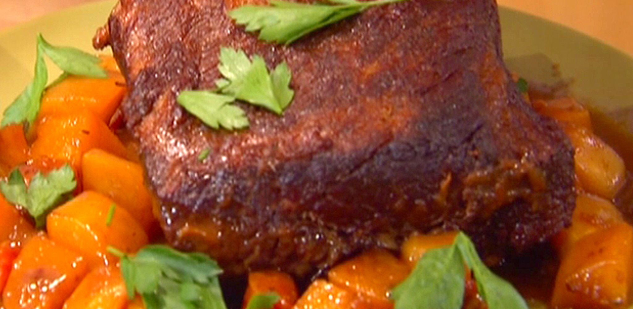 Red Wine Pot Roast With Honey And Thyme Recipe In 2020 Thyme Recipes Pot Roast Food Network Recipes