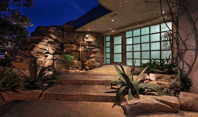 Rock House In Laguna Beach Brion Jeannette Architecture
