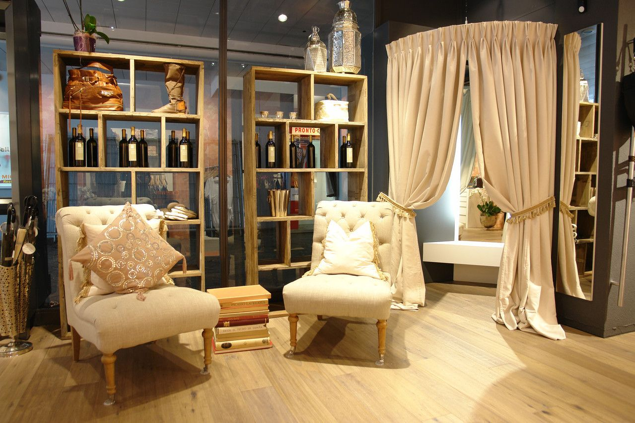 Deca Fashion Store - Atelier Crivelli - Architektur kommt von Innen, Switzerland