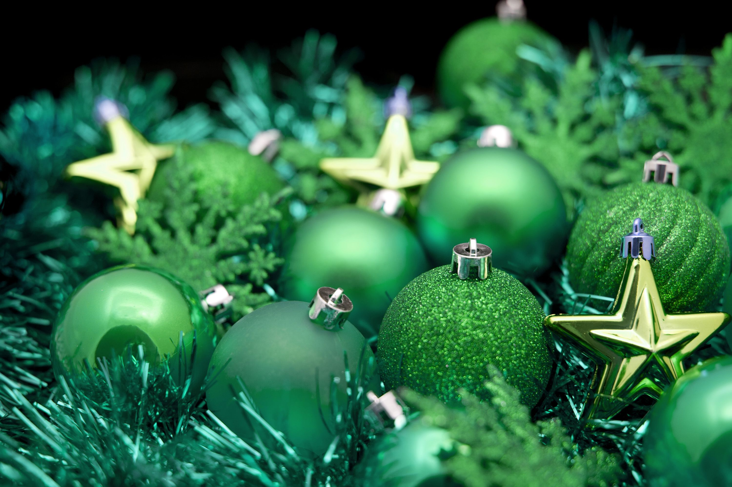 Green christmas ornaments gr n with nv¥ pinterest