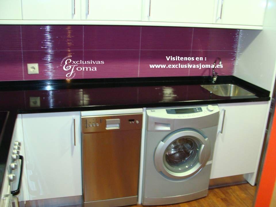 Muebles de cocina en blanco alto brillo lamiplus glass y - Encimeras de azulejos ...