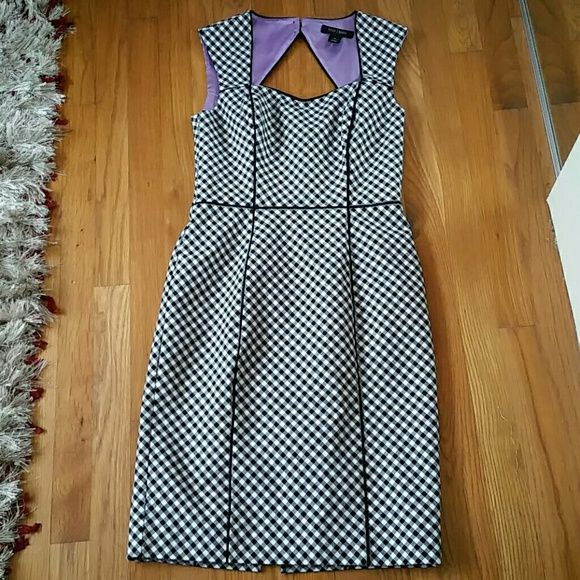 Cute black and white gingham WHBM dress Size 2. Excellent condition! Cute cutout in back. White House Black Market Dresses