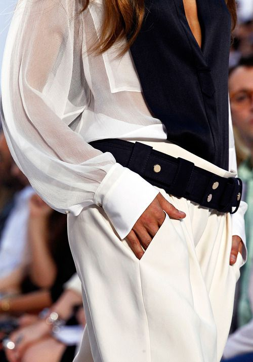 Black/White...love the drape of the pant, by Chloe